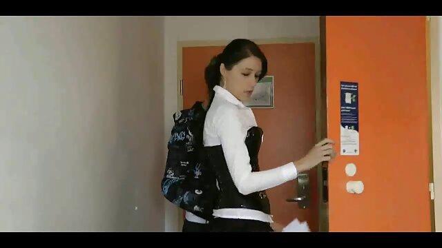 الإباحية لا تسجيل  الشباب لاتينا أمبير دسار في مؤخرتها فلم رومانسى سكس